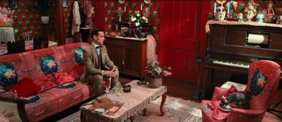 Red-New-York-City-apartment-Great-Gatsby-1