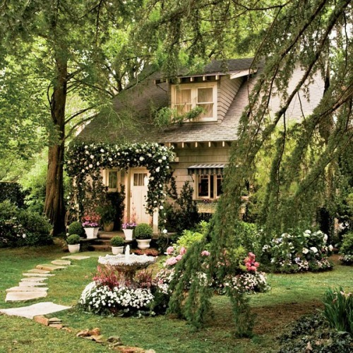Nick-Carraways-cottage-Great-Gatsby